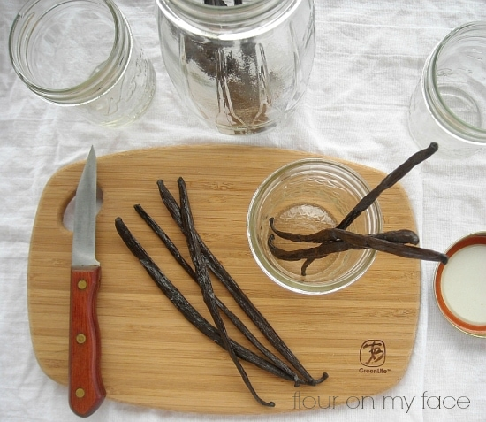 homemade, vanilla extract, making vanilla, vanilla beans