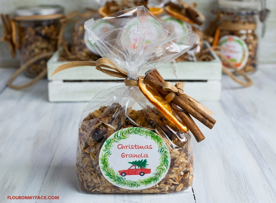 Christmas Granola, homemade holidays, gifts from the kitchen