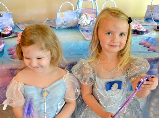 Princess Emma and Lila with their royal wands