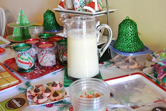 eggnog, holiday beverages, cookie exchange, Christmas drinks, spiked eggnog, virgin eggnog,