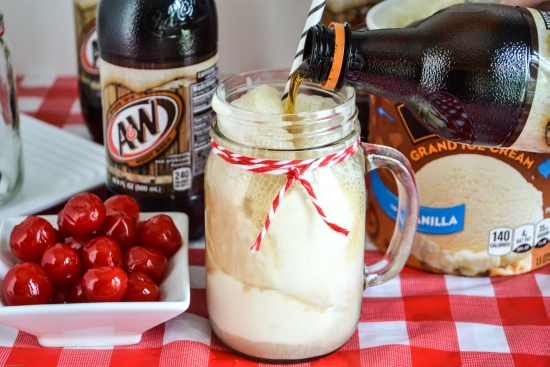 How to make a root beer float, A&W, Ice cream floats, summer,