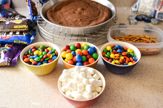 #shop, Baking, M&Ms, Baking with Chocolate, Class party recipes, Baked goods, kid party ideas, holiday desserts
