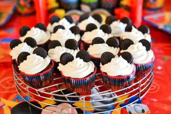 Easy Mickey Mouse Cupcakes, Disney Party, Disney Party Food